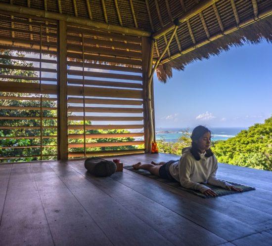 yin yoga turorial, yin yoga benefits, yin yoga postures, yin yoga lombok, yin yoga for wisdom, yin yoga for kidney & urinary bladder meridian line, yin yoga sequence, yin yoga for beginner, basic yin yoga, yin yoga for second chakra, sphinx pose, yin yoga poses,